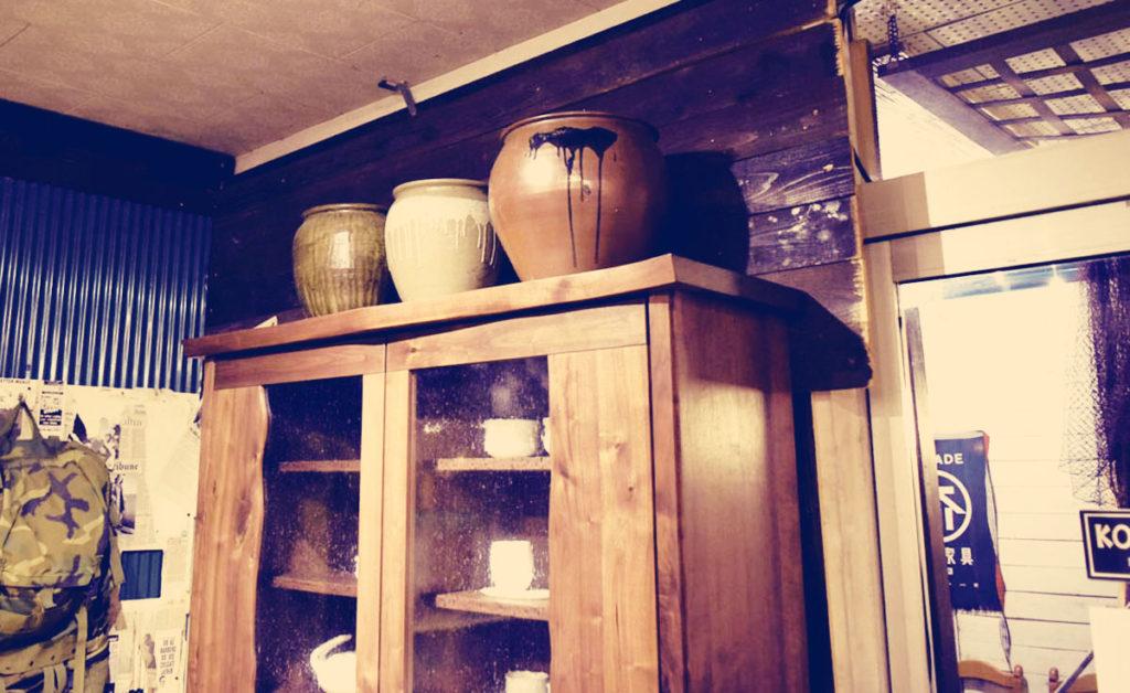 大川ウォールナット食器棚