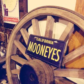大八車の樫材の車輪